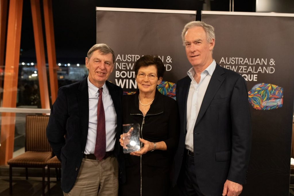 Mandalay Road wins Trophy for Zinfandel at ANZ Australia and New Zealand Boutique Wine Awards presented in Sydney on 24 October.